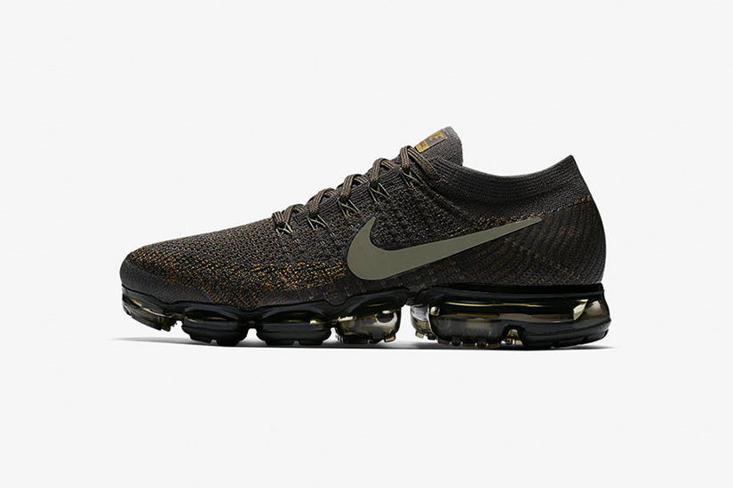 5aa01c07645a The sneaker features the usual Flyknit tech and acclaimed air-filled sole  unit