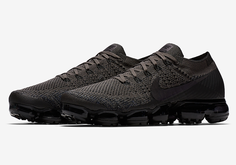 "separation shoes 341c5 e8246 Nike will be rolling out yet another new colorway of the VaporMax this  Black Friday. The Nike VaporMax ""Midnight Fog"" features a Flyknit upper  donned in a ..."